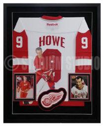 Howe, Gordie Framed Jersey