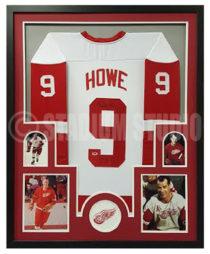 Howe, Gordie Framed Jersey2