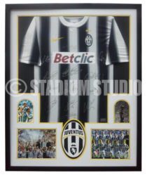 Juventus Team Signed Jersey